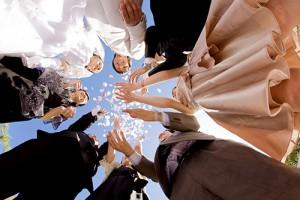 結婚で祝福される