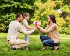 結婚して幸せな家族