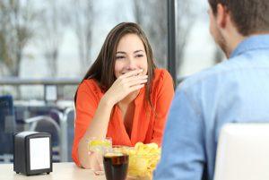 婚活、初対面の男女会話