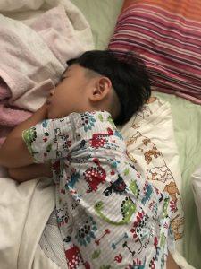 息子の寝起き